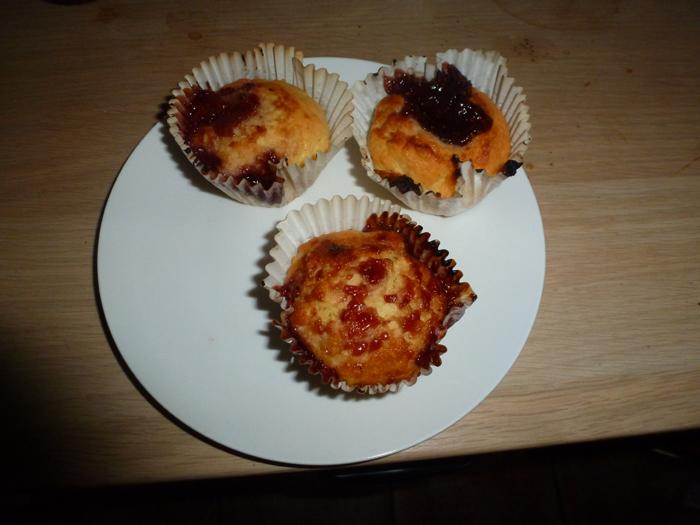 raspbery buns